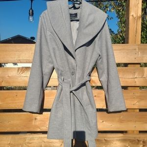 Vintage Le Chateau grey trench coat